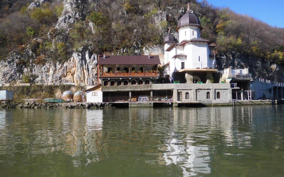 Mănăstirea Mraconia